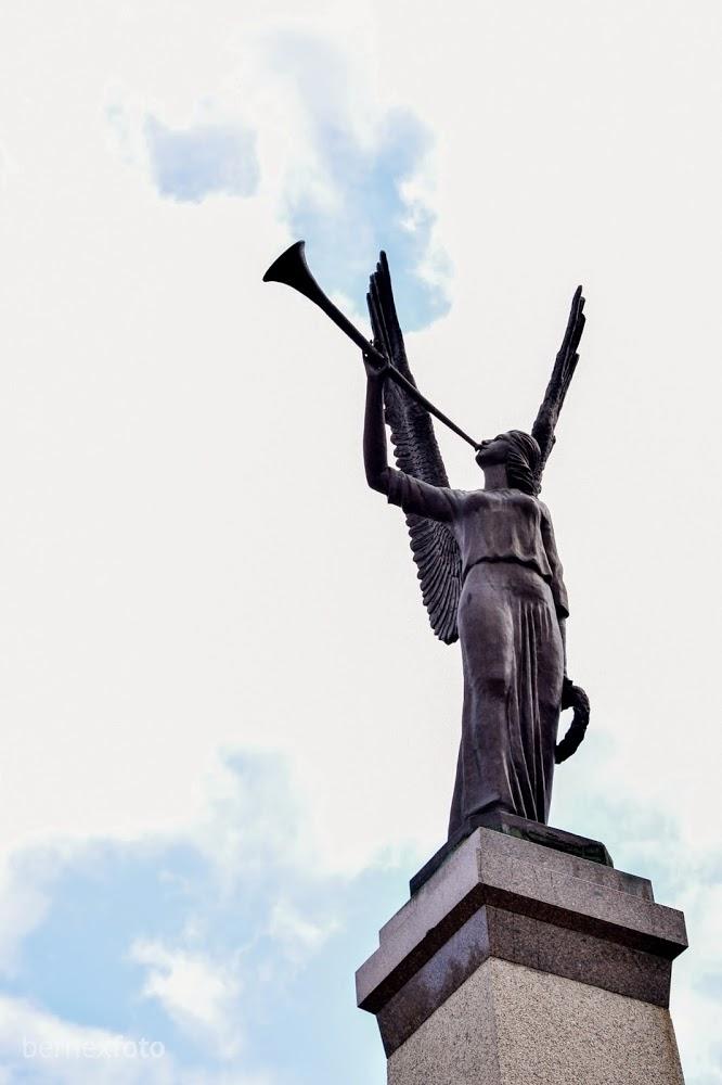 """Skulptūra """"Laisvės angelas"""""""