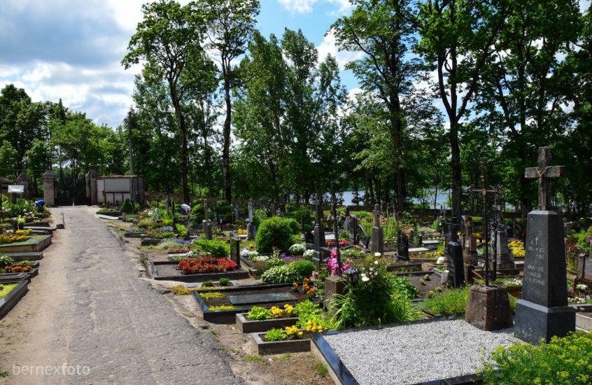 Senosios Plungės kapinės
