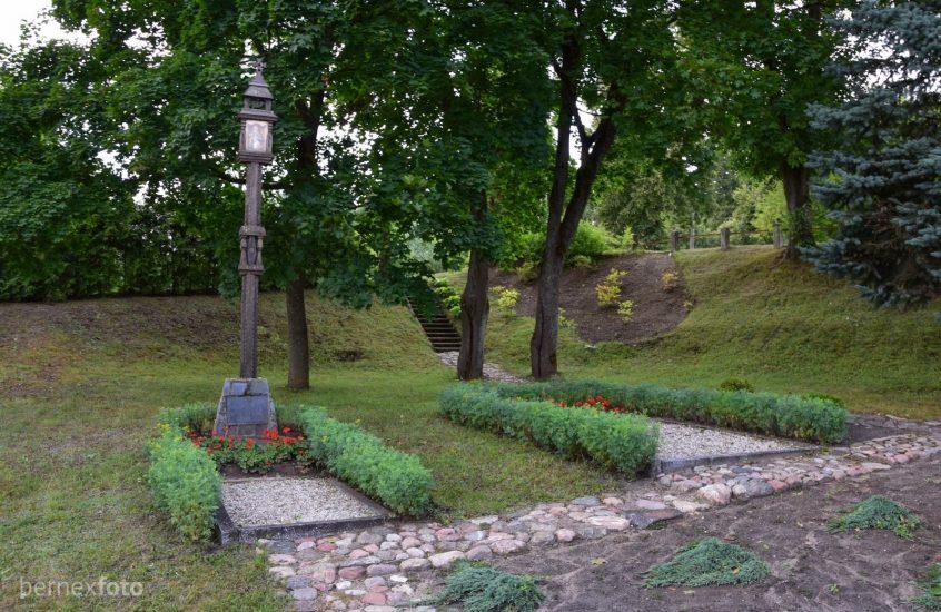 Raudondvario rezistentų kapinės