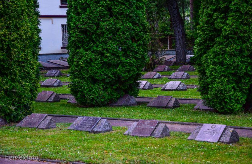 Biržų Antrojo pasaulinio karo sovietų karių kapinės